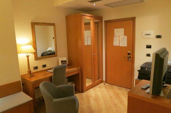 FH Grand Hotel Mediterraneo: Corner room