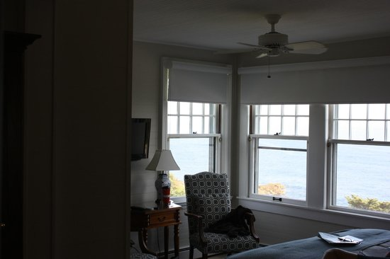 Ocean Cape Arundel Inn: room