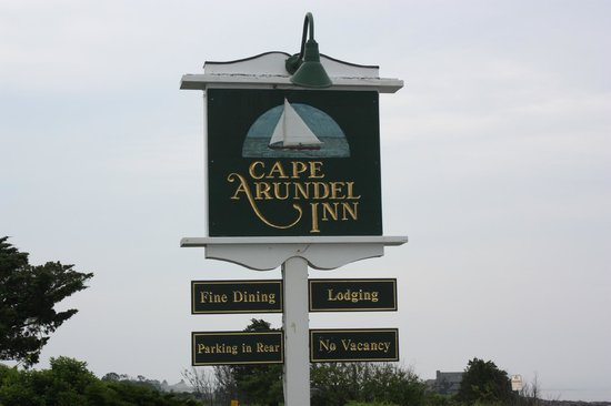 Ocean Cape Arundel Inn: sign