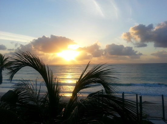 Suenos Tulum: Sunrise from the deck of Selva 2
