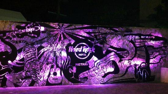 Hard Rock Hotel Pattaya: Mesmerising Entrance