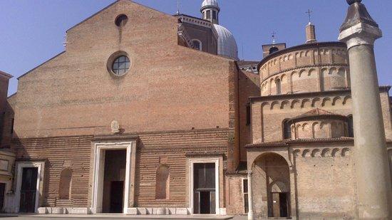 Cattedrale di Santa Maria Assunta con il suo Battistero : Cattedrale e Battistero