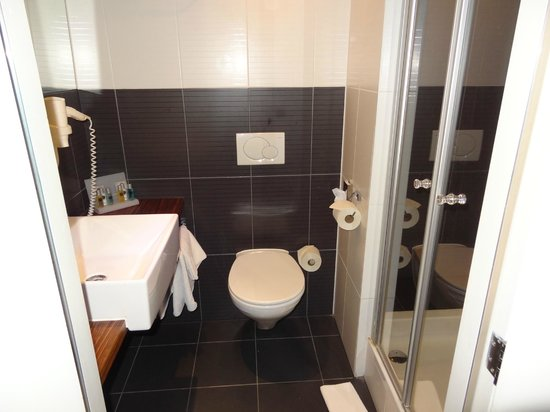 The Times Hotel: toilet small but everything needed