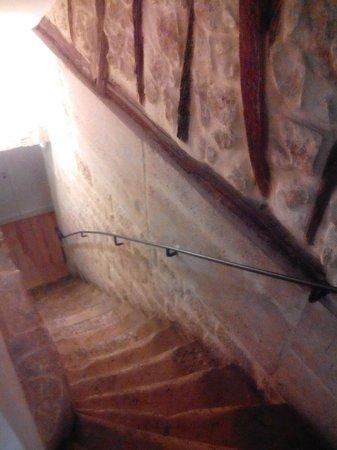 Hotel Lorette - Astotel: scale che portano alla taverna colazioni