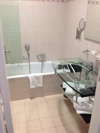 Villa Pirandello: Badezimmer top