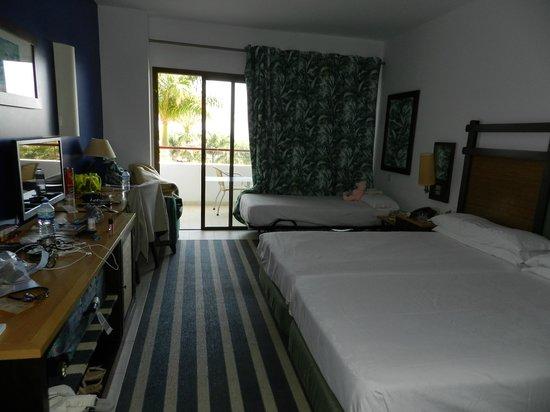 Hotel Costa Calero : Our room