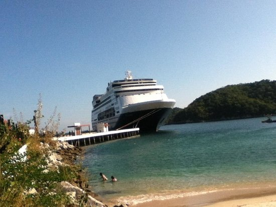 Santa Cruz Bay: Desde la bahía de Santa Cruz huatulco Huatulcoco@gmail.com
