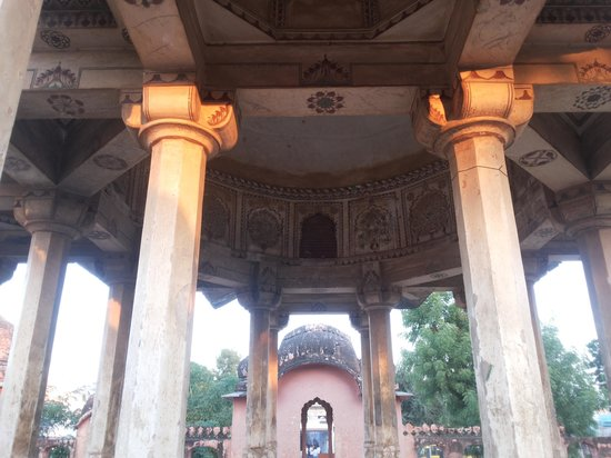 Churu, India: chhatri