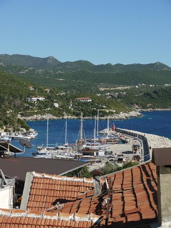 Hotel Sonne: View of the harbour from the roof terrace