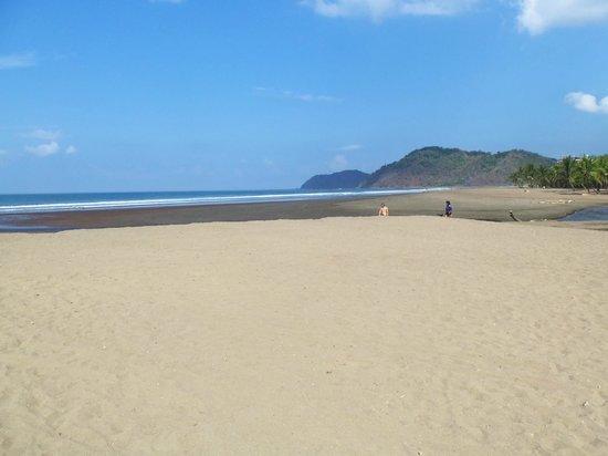Beach Break Resort: Beautiful Beach