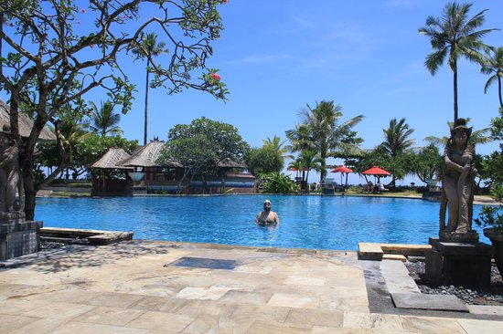 Patra Jasa Bali Resort & Villas: pool side