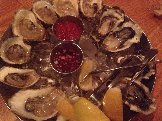 Hank's Oyster Bar: Oysters