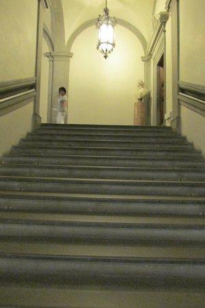 Galleria Palatina in Palazzo Pitti: Stairs to the Palatine