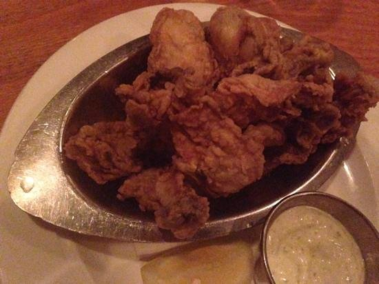 Hank's Oyster Bar: fried oysters