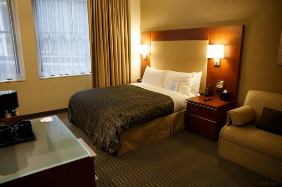 River Hotel: Room