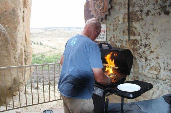 Kokopelli Cave Bed and Breakfast: Steak burn, Kokopelli's Cave