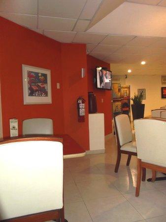 Hotel Plaza Del Sol: Restaurant de l'hôtel.