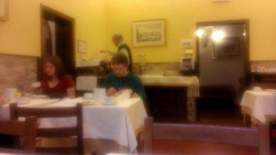 Hotel Alessandra: Breakfast Room