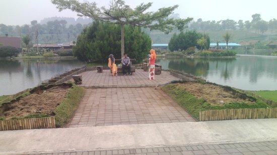 Floating Market Lembang: sudut pandang yg aduhai