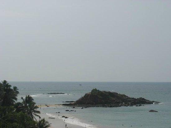 Sunbeam Beach Resort: Vista della spiaggia dalla camera