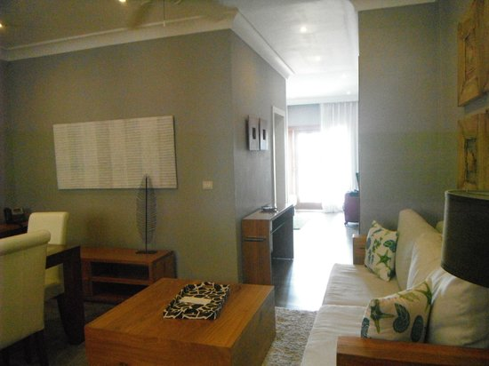 Alsol Luxury Village: Hallway from Dining area to bedroom