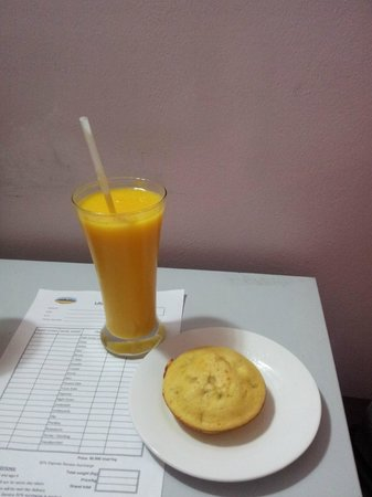 Sapa Paradise View Hotel: smoothie and banana cake snack