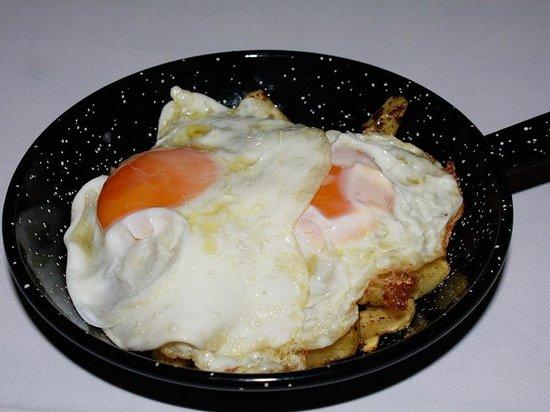 Restaurante Casa Jose Maria: Sartén de patatas