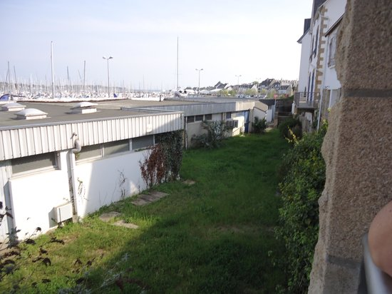 Hotel Ostrea : voila la superbe photo du port ???