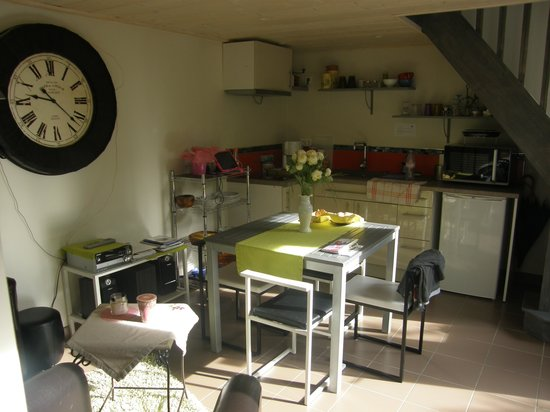 Le Jardin Cache : Our Kitchen