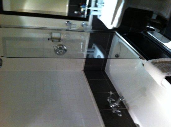 42 The Calls: Bathroom.