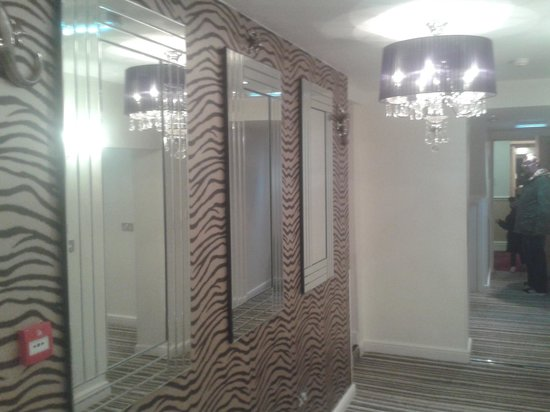 Royal Seabank Hotel: the new hallway of superior rooms