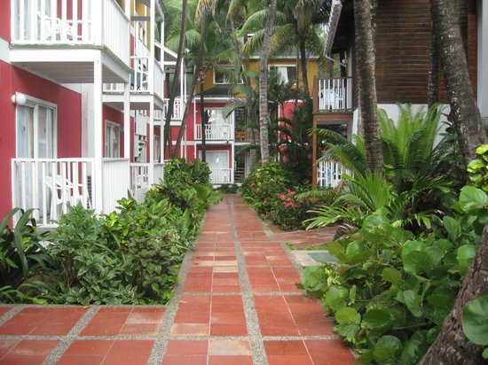 Decameron San Luis: Path to the rooms