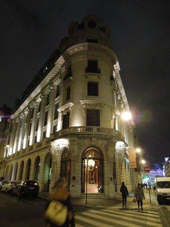 Hotel Banke : facade