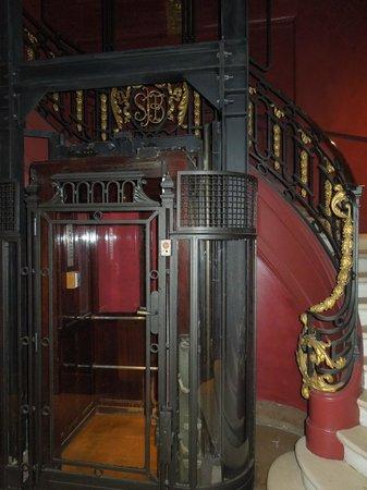 Hotel Banke: escalier