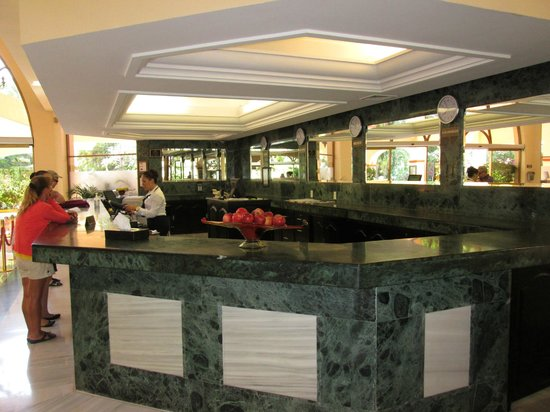 Barcelo Puerto Vallarta: front lobby