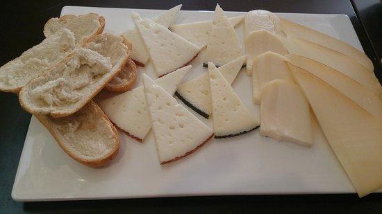Hotel Eurostars Isla de La Toja: Comida:Tabla de quesos