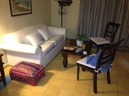 Victorian House Hotel Puerto Plata : Our room sitting area