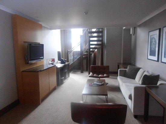 Crowne Plaza London Kensington: Living area