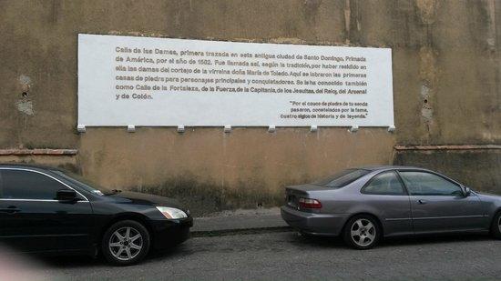 Hodelpa Nicolas de Ovando: Calle de las Damas