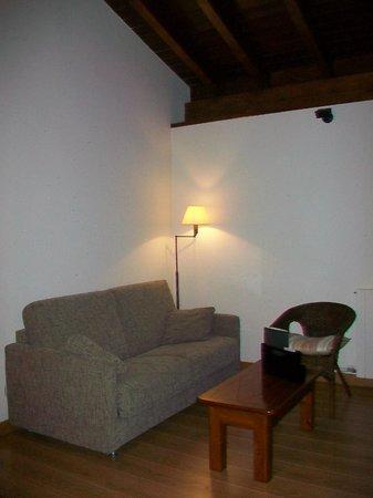 Hotel Rural Olatzea : Saloncito habitación