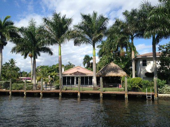Intracoastal Waterway: Beautiful houses line the waterway