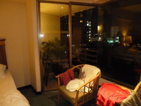 The Bayview Hotel: Our triple bed room with small balcony