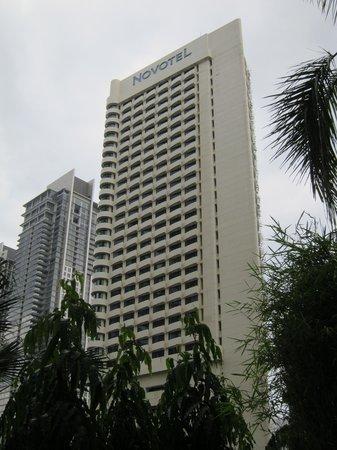 Hotel Novotel Kuala Lumpur City Centre: Hotel Exterior