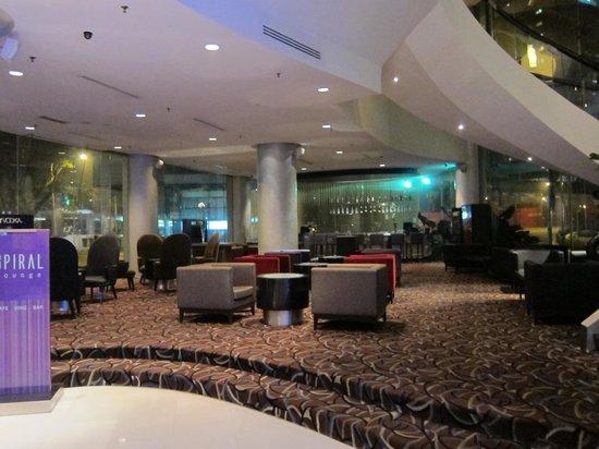 Hotel Novotel Kuala Lumpur City Centre: Lobby Bar