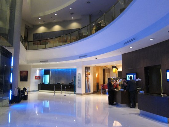 Hotel Novotel Kuala Lumpur City Centre: Reception