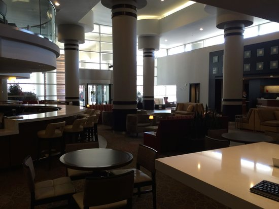 Courtyard by Marriott Minneapolis Downtown: Lobby
