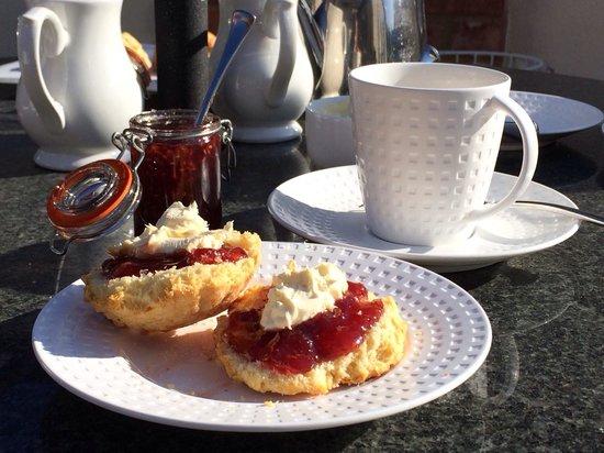 The Salty Monk : Really great cream tea!