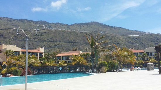 La Palma Princess & Teneguia Princess: from the pool