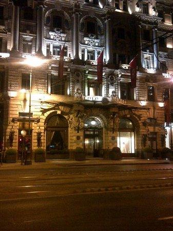 Boscolo Budapest, Autograph Collection : Boscolo at night