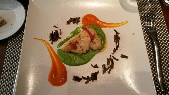 Chez Olivier: Saint-Pierre, riz sauvage, crème au chorizo